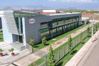 Edificio Henkel Chile.